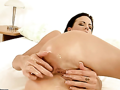 Liz fucks herself to orgasm in unsurpassed chapter